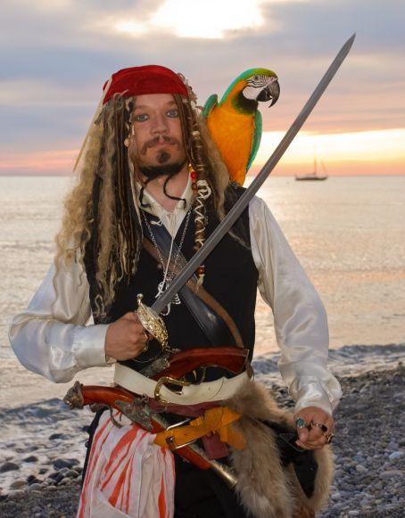 Pirate's dinner, pirate